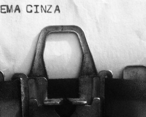 Poema Cinza