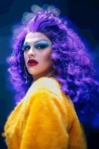 A drag queen Guilhotina Guinle
