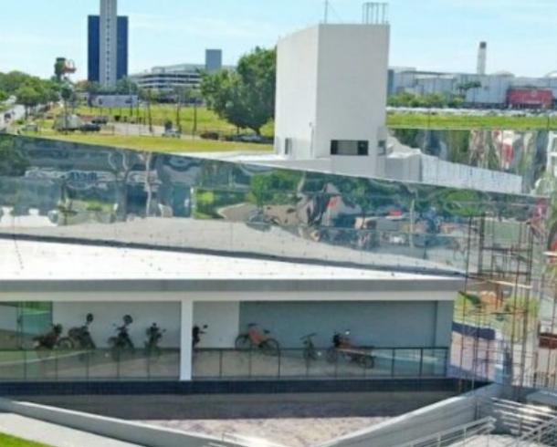 Goiânia inaugura Casa de Vidro Antônio Poteiro