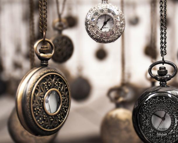 Microtexto: O que é o tempo, afinal, senão uma saudade?